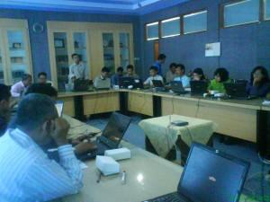 Pelatihan Blog untuk staff UNS